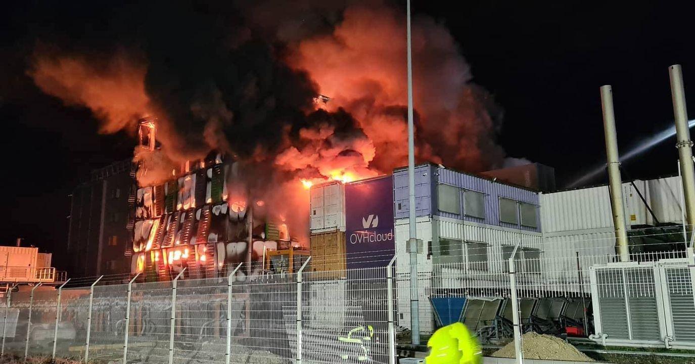 Pożar w OVH. Budynek SBG2
