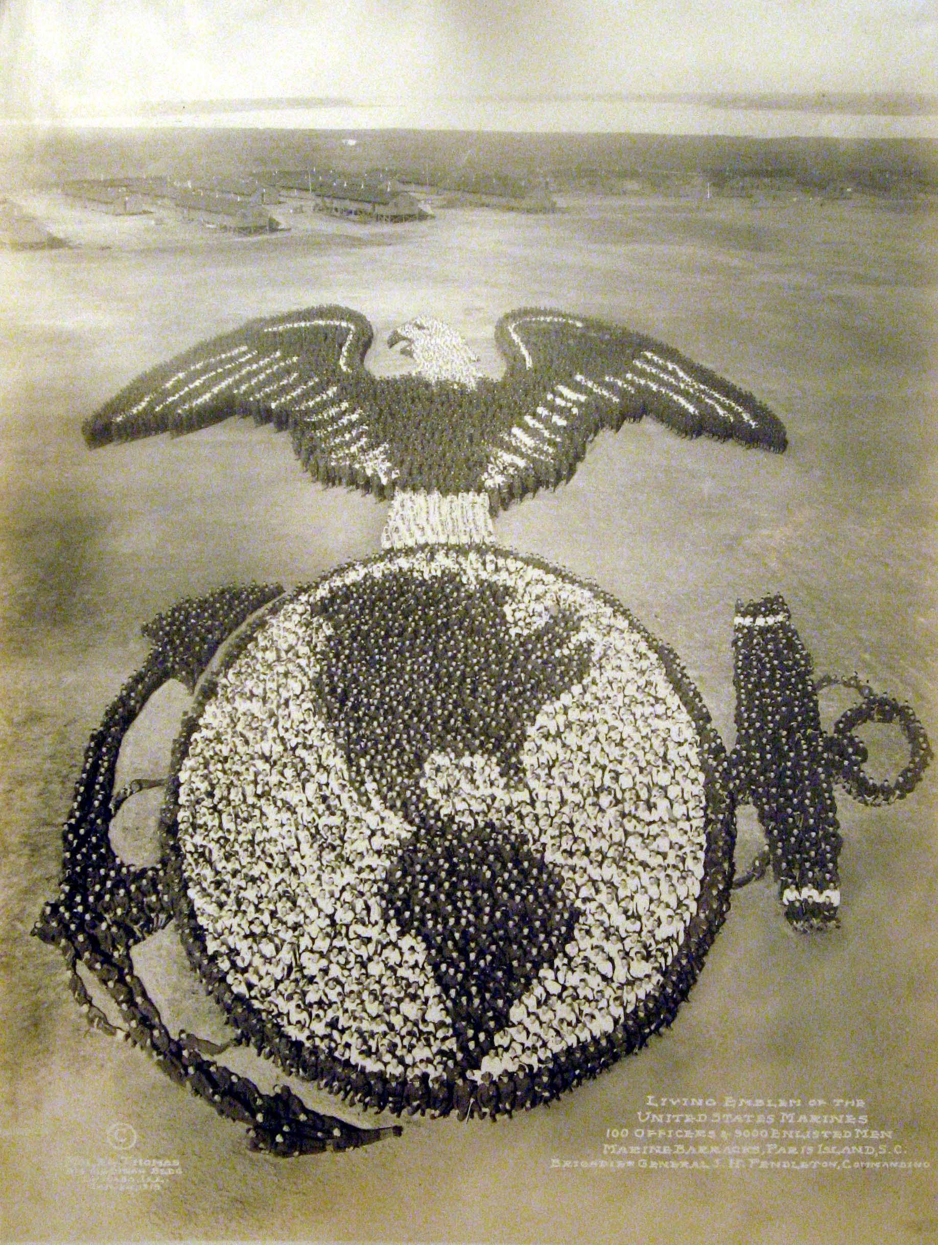 Godło Marynarki Stanów Zjednoczonych - 9 000 żołnierzy