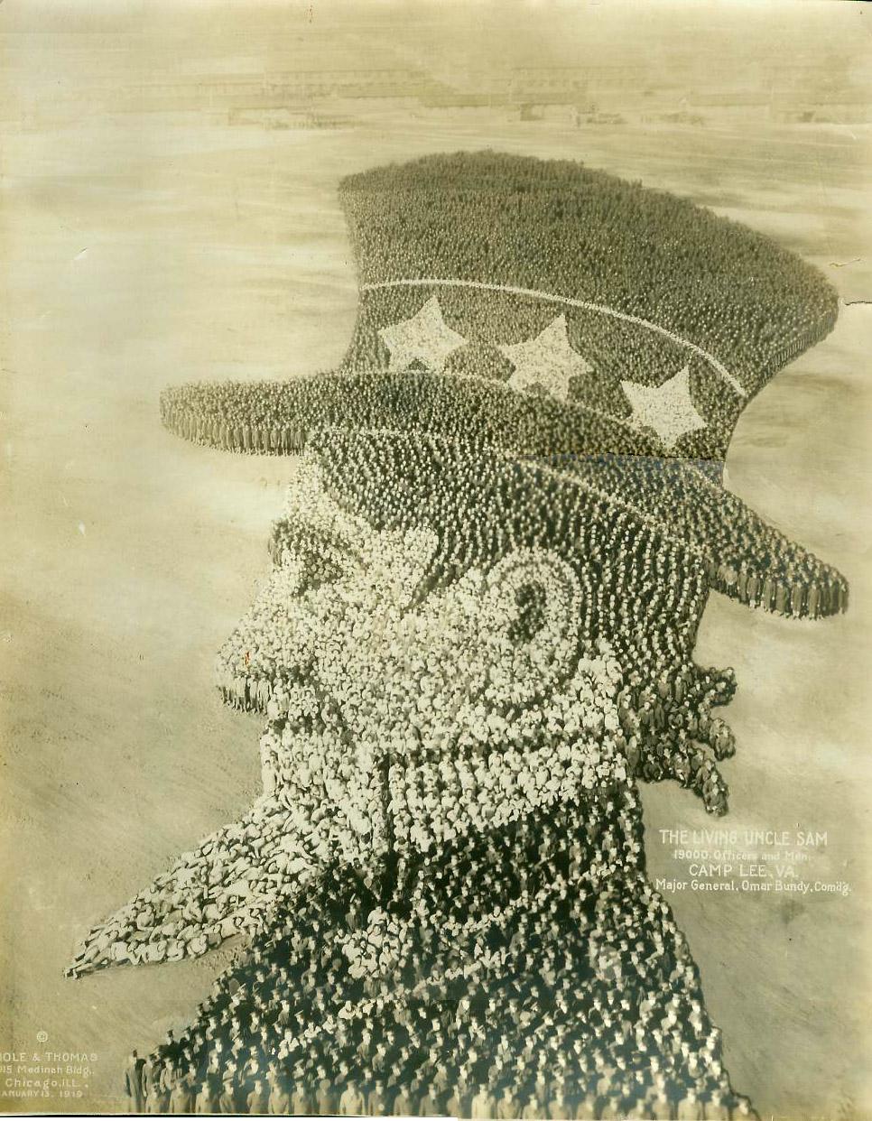 Wuj Sam (ang. Uncle Sam), 1919, Camp Lee VA - 19 000 oficerów